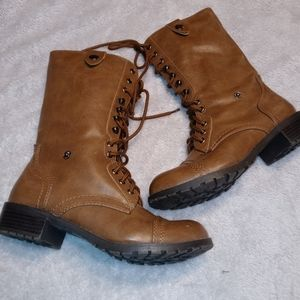 Soda faux leather womens boots size 8M